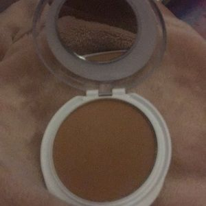 Other - Covergirl advance radiance powder (soft honey)